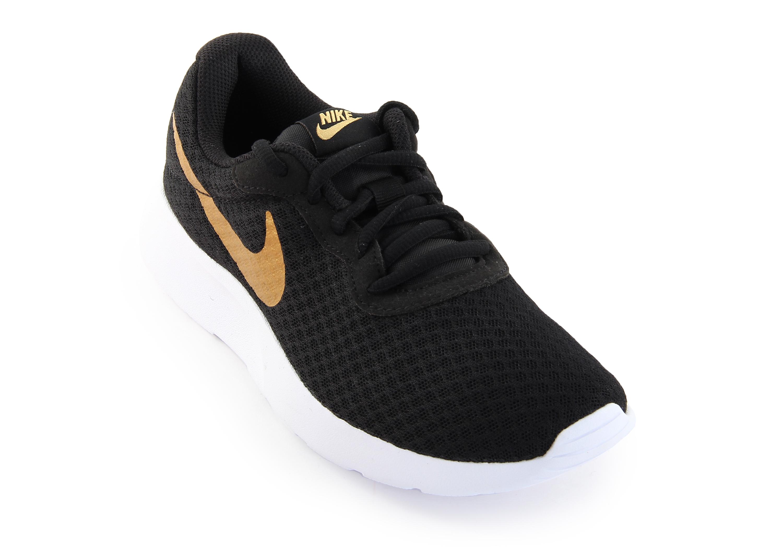 Кроссовки женские Nike Tanjun - Сеть спортивных магазинов Чемпион 07698b8fea