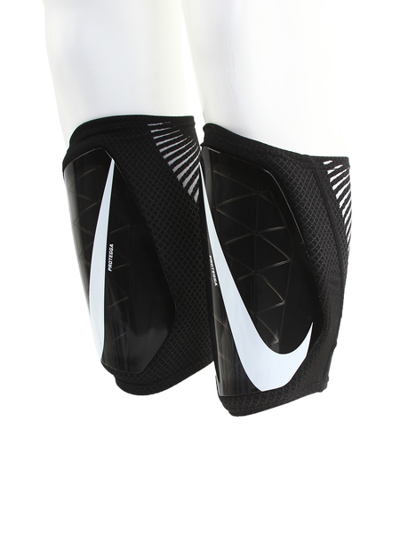 Щитки футбольные Nike Protegga Kids' Soccer Shin Guards