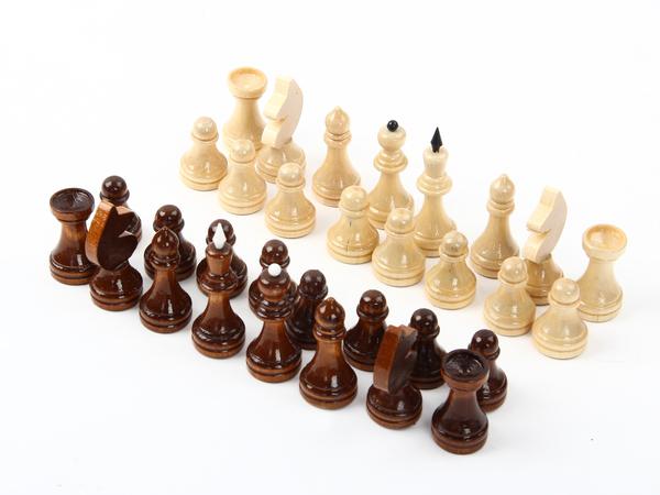 Шахматы обиходные лакированные без доски